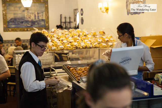 Employees busy packing pastel de natas