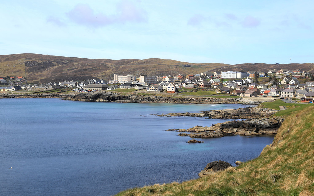 bressay shetland Within ten minutes you can exchange the bustle of lerwick town for the tranquil rural atmosphere of bressay the island is home to around 350 people, many of whom commute to the mainland.