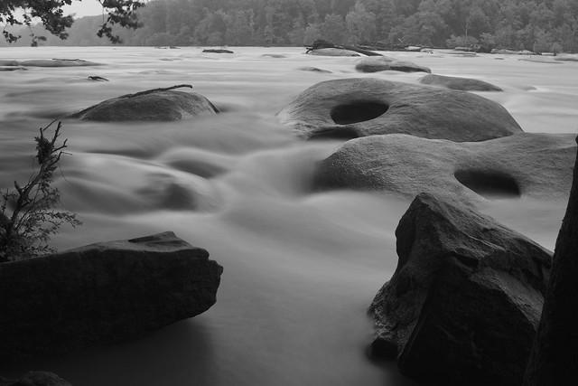 River rocks, Sony ILCE-6000, Sony FE 28mm F2