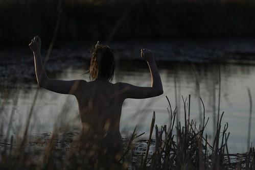 #putyourhandsup #darkwater #Fagnes #plateaudestailles #swimnaked #frozen #sunset #findujour #afterflying
