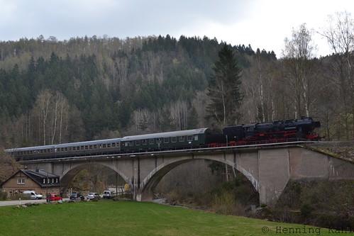 52 8131-6  auf dem Viadukt Bärenhecke km22