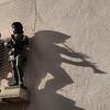 #sombras e #música na #Karlstor  #München #Munich #Múnic #shadow