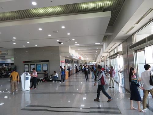 釜山慶南競馬場の1階通路