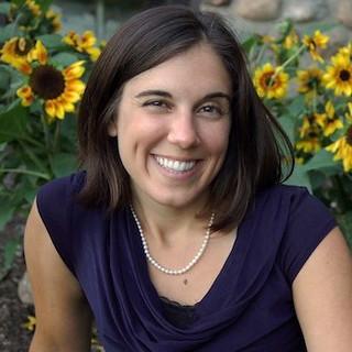 Thu, 05/18/2017 - 12:39 - Genesee Community College faculty member Jennifer Sisbarro