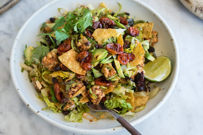 Vegan Tempeh Taco Salad https://t.co/8XMlYx6GIs