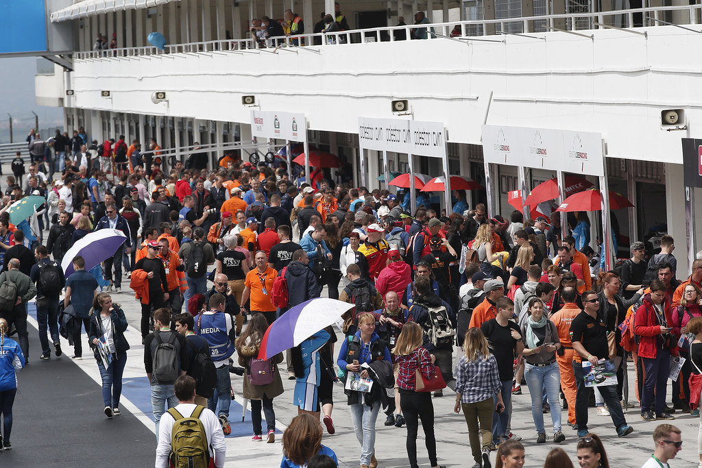 PIT LANE AMBIANCE AUTOGRAPH SESSION during the 2017 FIA WTCC World Touring Car Race of Hungary at hungaroring, Budapest from may 12 to 14 - Photo Jean Michel Le Meur / DPPI