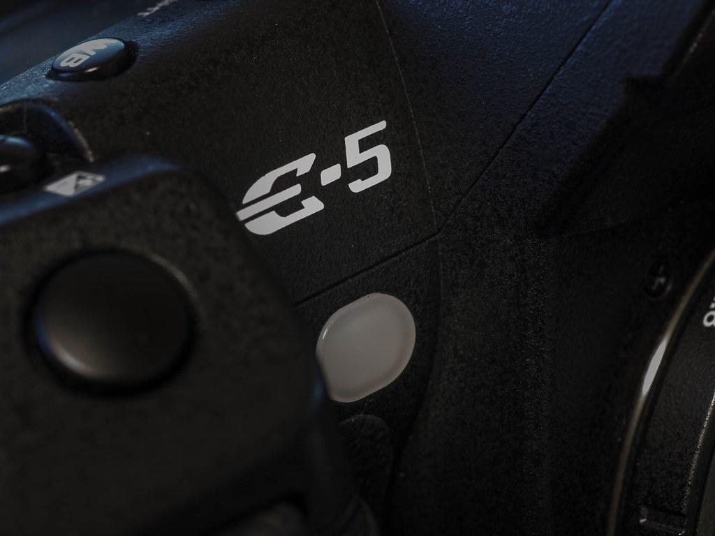 EM1K3583_R