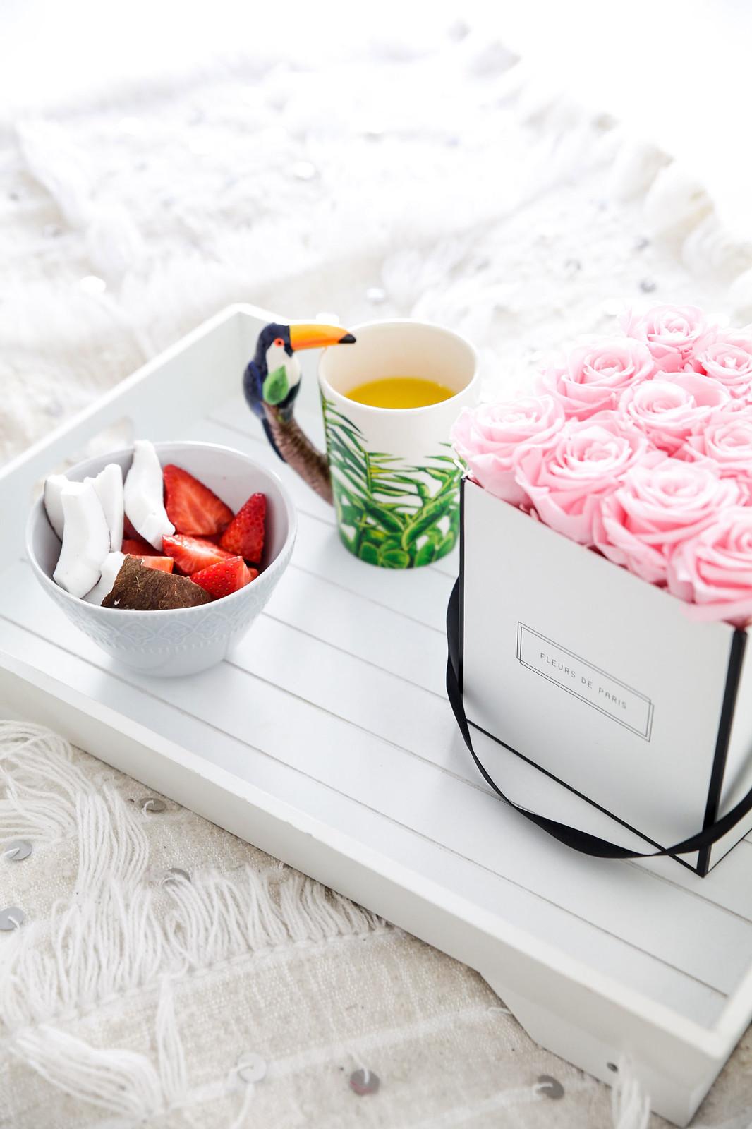 09_Desayuno_cama_breakfast_bed_Fleurs_Paris_Theguestgirl_Flowers_pink_influencer_barcelona_flores_laura_santolaria