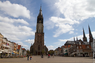New Church and market square in Delft