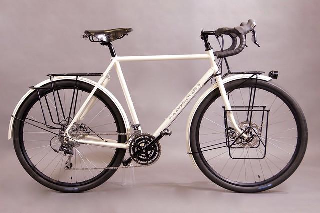 Kim's loaded touring bike, Sony SLT-A55V, Minolta AF 17-35mm F2.8-4 (D)