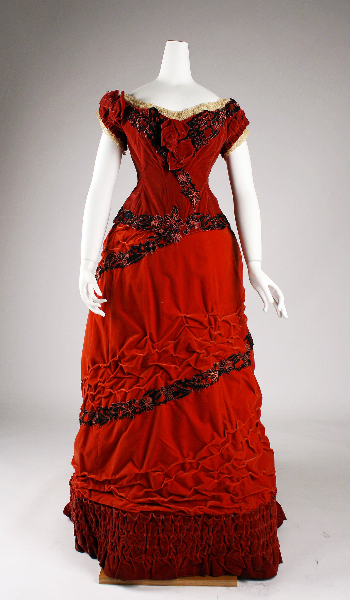 1875 Ball gown. British. Silk, cotton. metmuseum