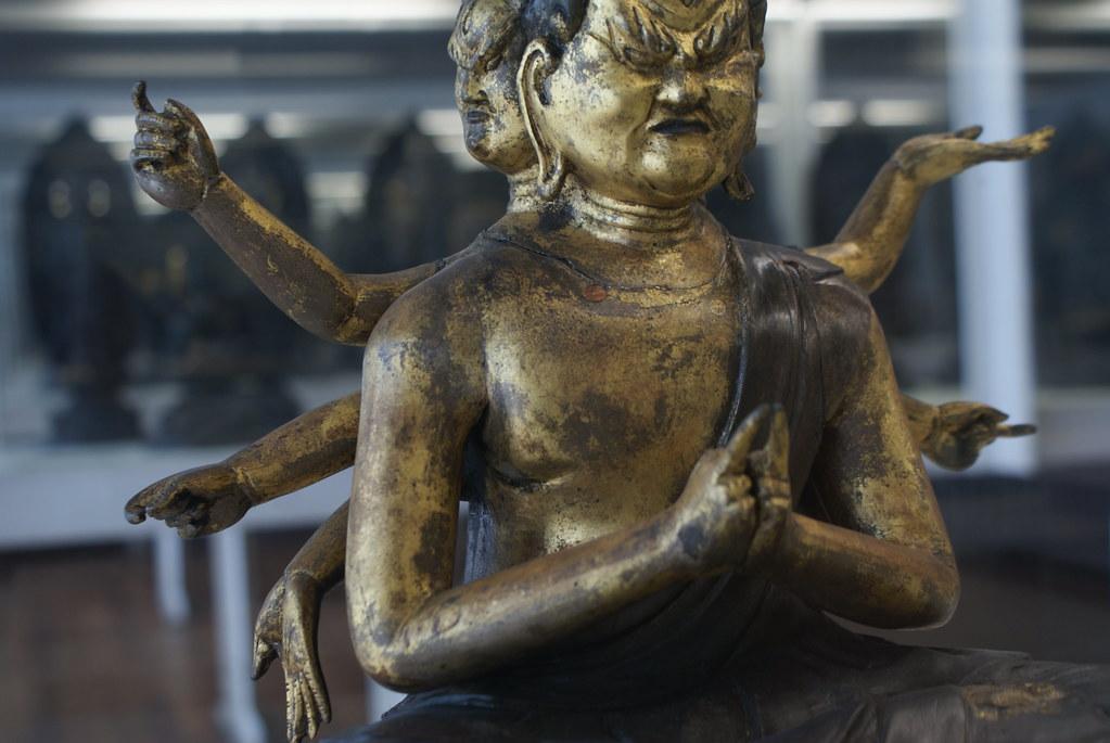 Autre statue du musée asiatique Chiossone à Gênes.