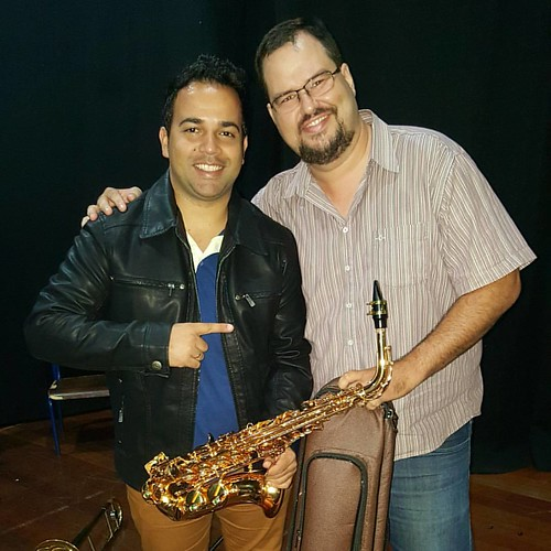 Grande amigo Wagner, depois de 12 anos tocamos juntos de novo, noite abençoada, noite do Encontro de Adoradores em Tupã no anfiteatro Iori, glória a Deus! #bonnalouvorepalavra