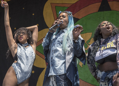 Big Freedia on the Congo Square Stage on Day 6 of Jazz Fest - May 6, 2017. Photo by Marc PoKempner.