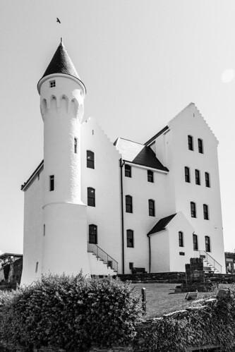 marcial bernabeu bernabéu irlanda ireland anillo ring kerry cahersiveen barracks castillo building white castle