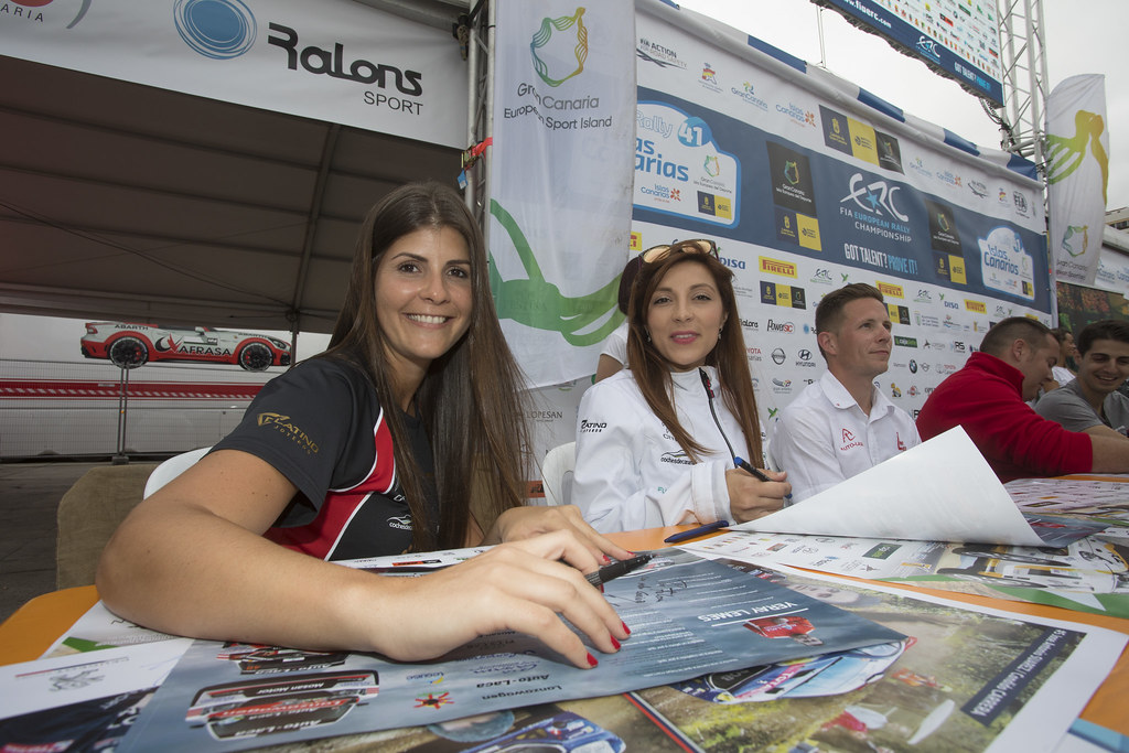 Autographe session Ambiance, during the 2017 European Rally Championship ERC Rally Islas Canarias, El Corte Inglés,  from May 4 to 6, at Las Palmas, Spain - Photo Gregory Lenormand / DPPI