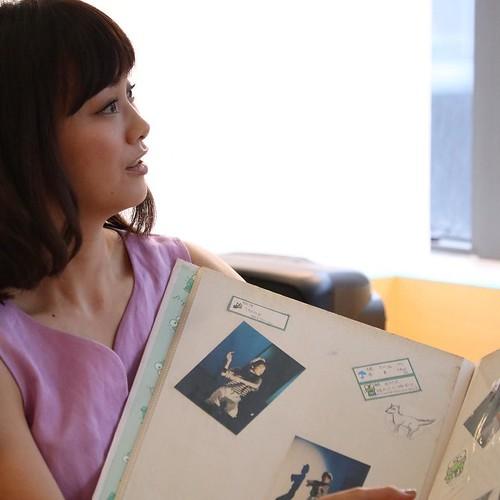 蛯原さんのアルバム。双子当てクイズ! #東京の家族写真 #朝日新聞社メディアラボ #おもいでばこアンバサダー #おもいでばこ