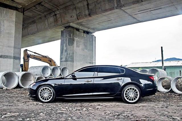 【跑車出租】瑪莎拉蒂Quattroporte 駕馭超跑展現超帥氣人生