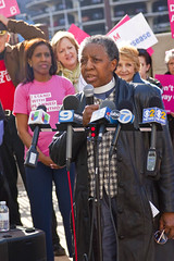 Reverend Jeanette Wilson Operation PUSH Protesting Trumpcare Chicago 5-11-17 6273