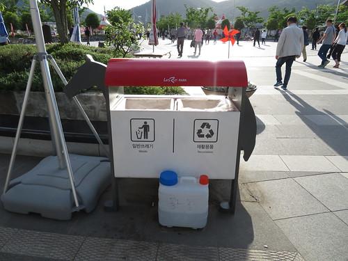 釜山慶南競馬場のゴミ箱
