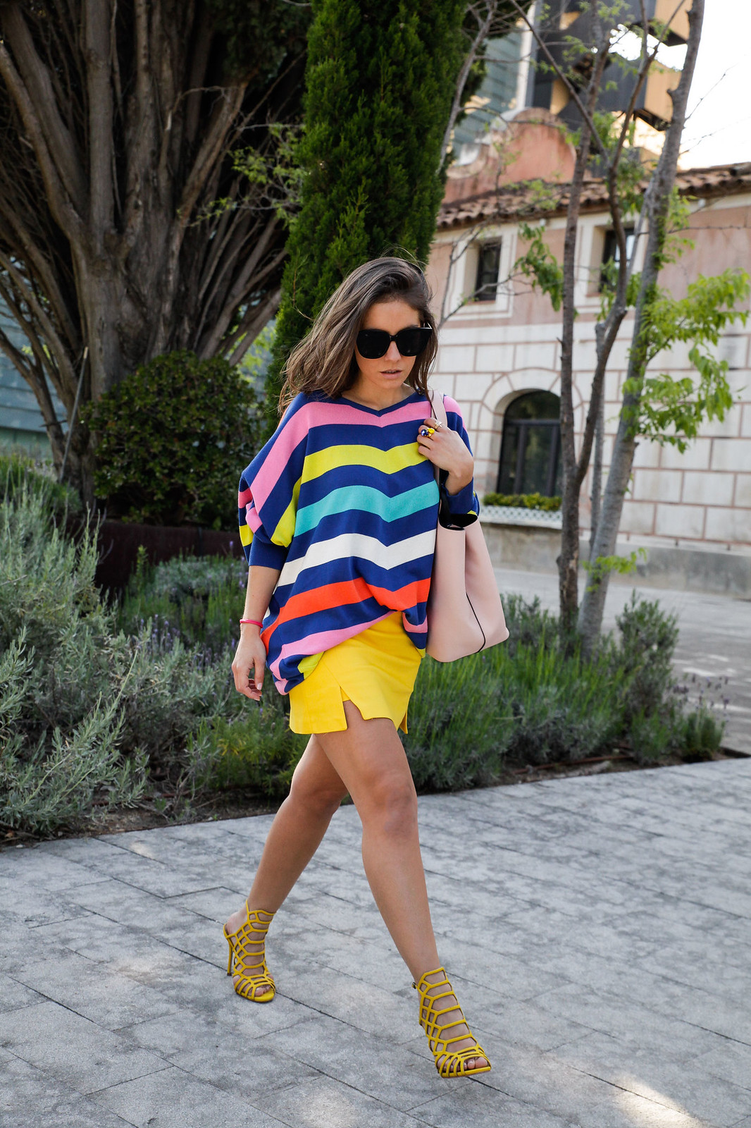 02_sweater stripes color yellow skirt_theguestgirl