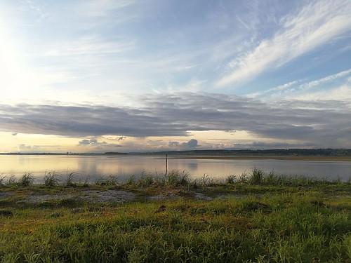 landscape bc canada ocean clouds mountains vancouver crescentbeach light eveninglight spring