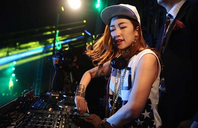 tai-nhac-chuong-dj-trang-moon-mix-cuc-manh-8nhacchuonghay-com