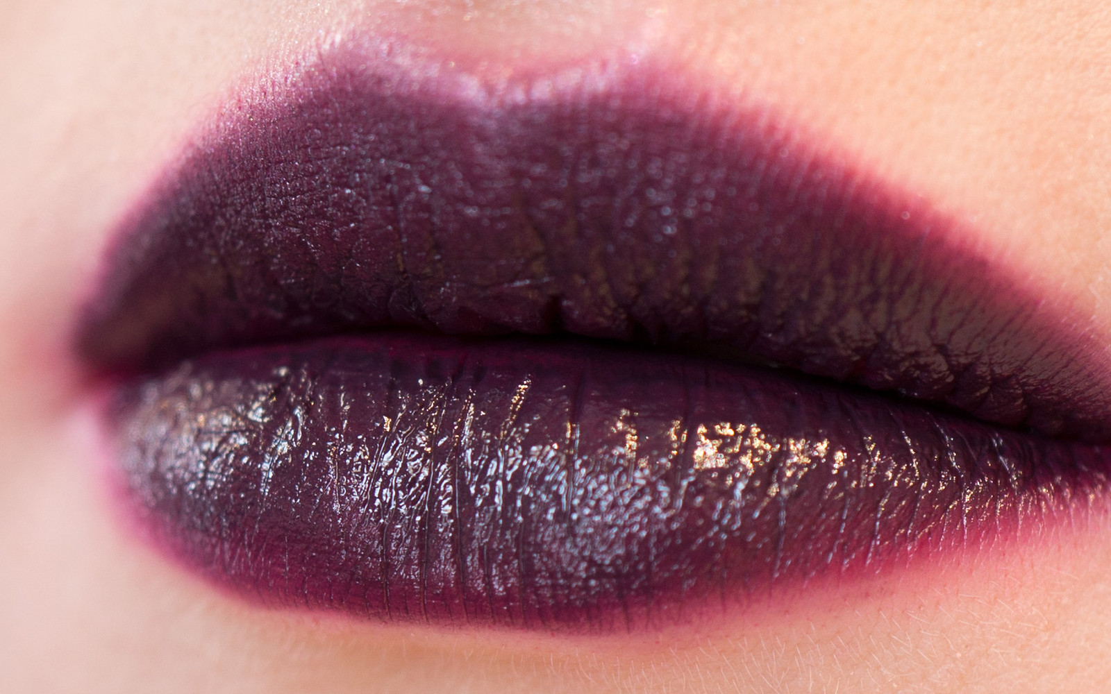 Make Up For Ever Artist Acrylip 600 Dark Purple
