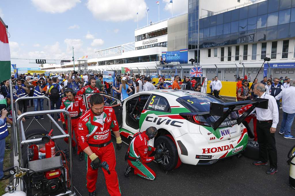 grille de depart starting grid   during the 2017 FIA WTCC World Touring Car Race of Hungary at hungaroring, Budapest from may 12 to 14 - Photo Frederic Le Floc'h / DPPI