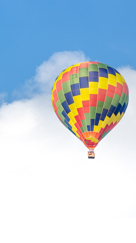 Hot Air Balloon in the Sky iOS Wallpaper