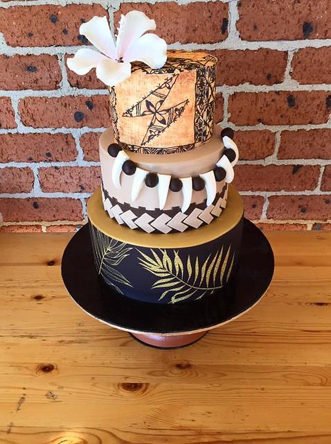 Polynesian Cake by LizLo Cupcakes