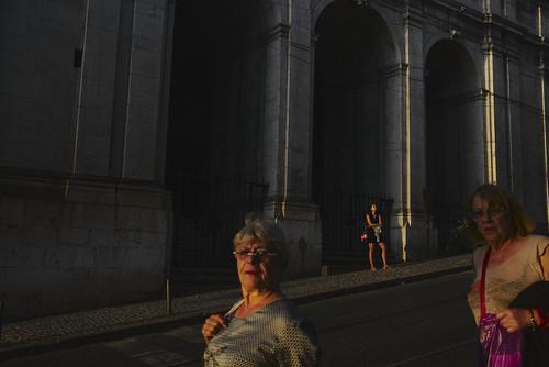 """Photo bombing"" my street photography 😄 #street #lisbon #t3mujinpack"