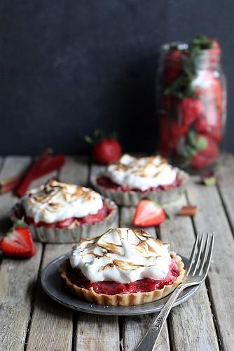 strawberry-rhubarb-meringue-tartlets