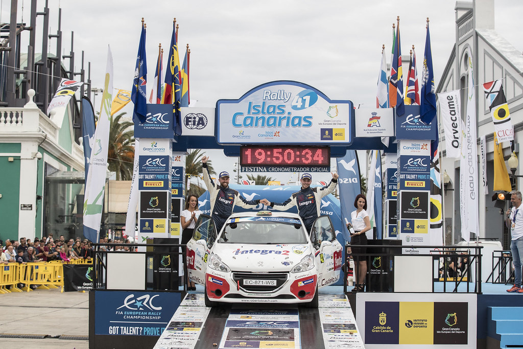 BLACH NUNEZ  Roberto (ESP), DELGADO Ariday  Bonilla (ESP), PEUGEOT 208 VTI R2, ambiance portrait podium, during the 2017 European Rally Championship ERC Rally Islas Canarias, El Corte Inglés,  from May 4 to 6, at Las Palmas, Spain - Photo Gregory Lenormand / DPPI