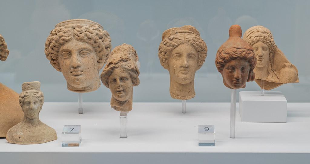 Locri, Grotta Caruso: miniature terracotta heads