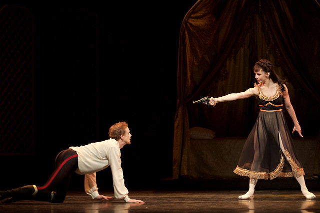 Edward Watson as Crown Prince Rudolf and Natalia Osipova as Mary Vetsera in Mayerling (C) ROH, 2017.