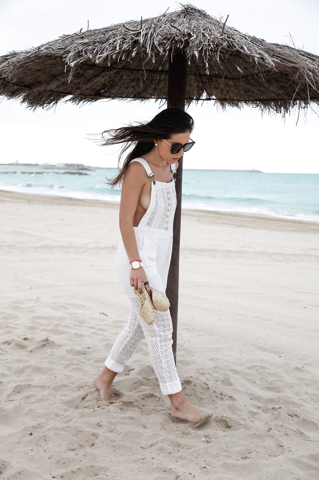 04_white_jumpsuit_lace_deby_debo_influencer_theguestgirl