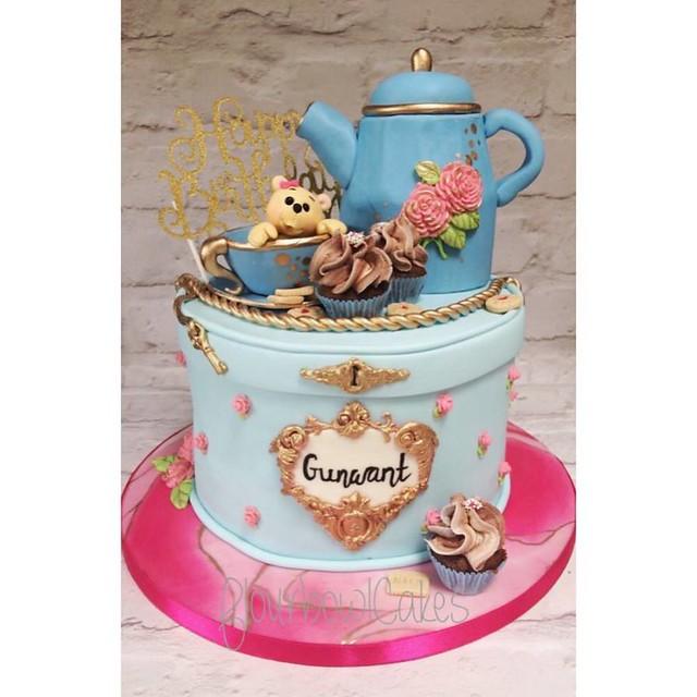 Cake by Flourbowl Cakes