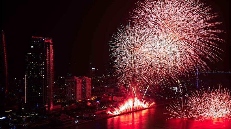 Khách du lịch Đà Nẵng tăng gần 50% trong mùa DIFF 2017