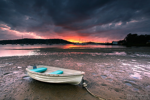 boat beach sunrise sunset moodysky pittwater sydney nsw australia