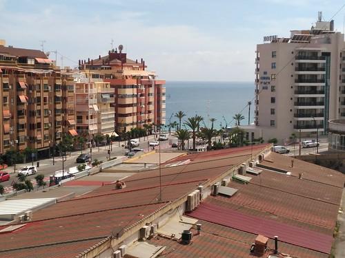 Fabulosas vistas al mar, muy soleado.  Solicite más información a su inmobiliaria de confianza en Benidorm  www.inmobiliariabenidorm.com