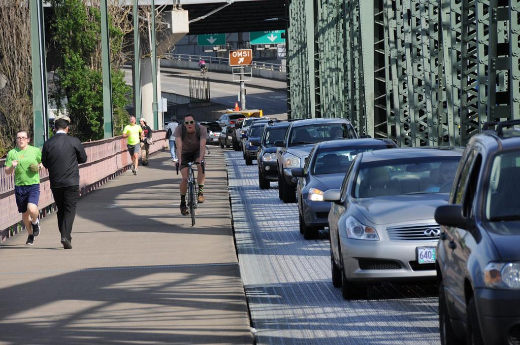 Hawthorne Bridge traffic observations-5.jpg