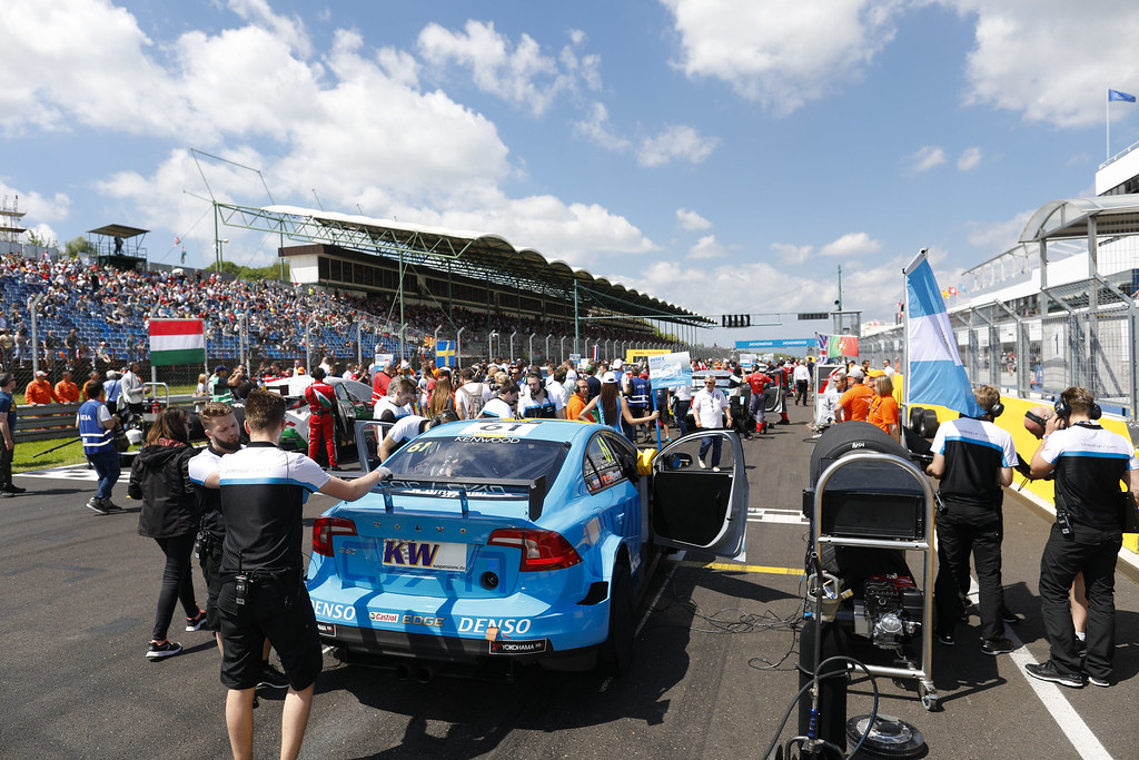 grille de depart starting grid 61 GIROLAMI Nestor (arg), Volvo S60 Polestar team Polestar Cyan Racing,    during the 2017 FIA WTCC World Touring Car Race of Hungary at hungaroring, Budapest from may 12 to 14 - Photo Frederic Le Floc'h / DPPI