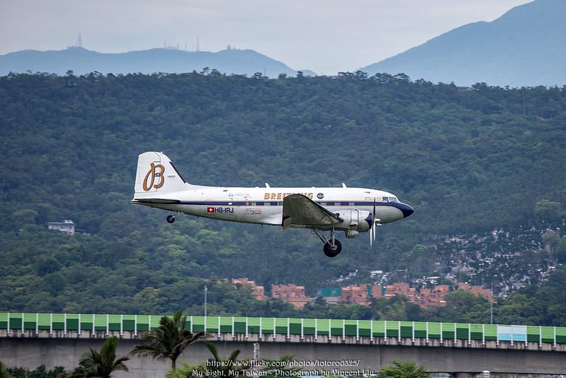 HB-IRJ Breitling Douglas DC-3