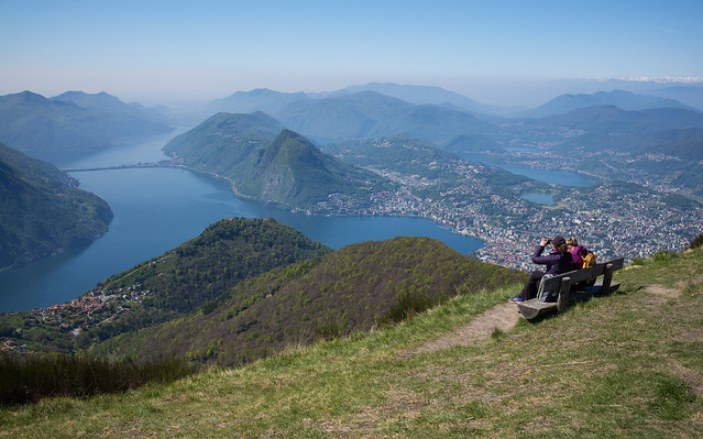 two girls and a bench @ Monte Boglia (TI)