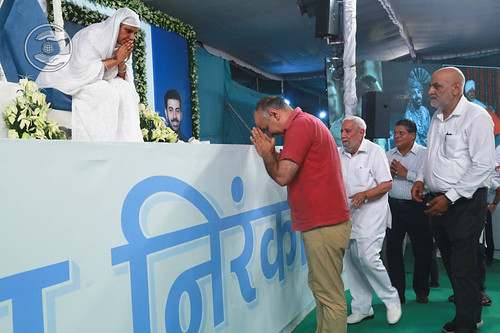 Manish Sisodia, Deputy Chief Minister of Delhi, seeking blessings