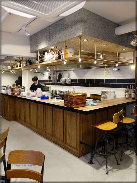 Photo:2017-05-03_ハンバーガーログブック_駅近のマンションの1Fにニューオープン!【勝どき】ニジイロ_07 By:logtaka
