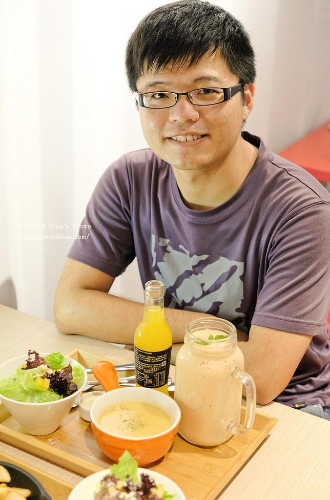 逢甲迷路MiLu菜單氣球泳圈親子餐廳25