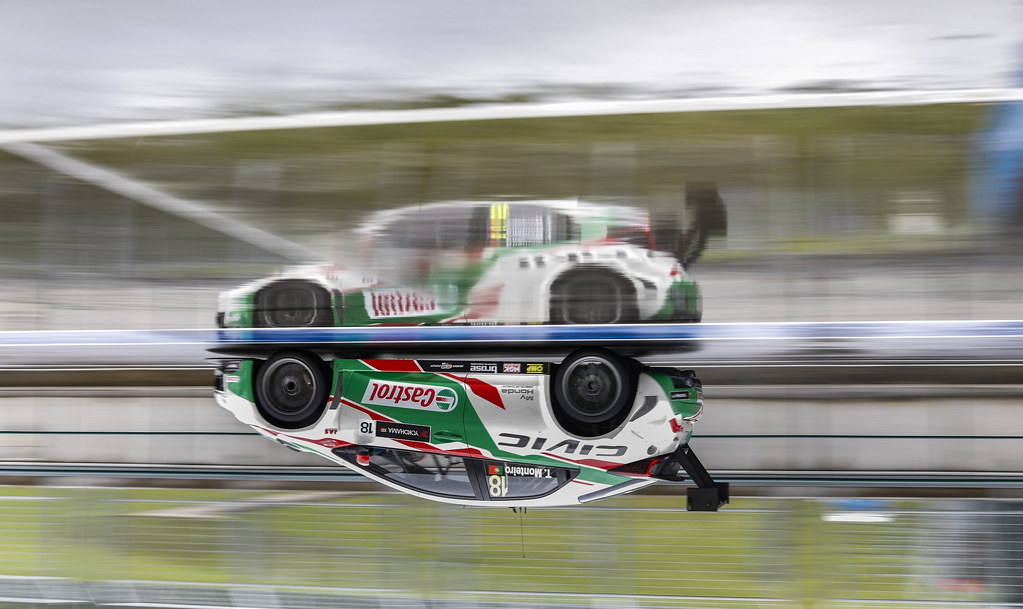 18 MONTEIRO Tiago (prt), Honda Civic team Castrol Honda WTC, action   during the 2017 FIA WTCC World Touring Car Race of Hungary at hungaroring, Budapest from may 12 to 14 - Photo Frederic Le Floc'h / DPPI