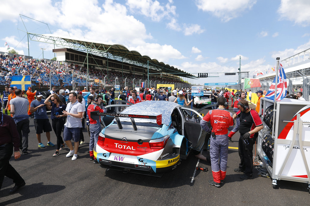 grille de depart starting grid CHILTON Tom (gbr), Citroen C Elysée team Sébastien Loeb Racing, ambiance portrait   during the 2017 FIA WTCC World Touring Car Race of Hungary at hungaroring, Budapest from may 12 to 14 - Photo Frederic Le Floc'h / DPPI